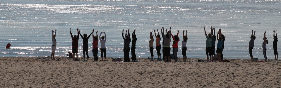 Chatham_beach_yoga